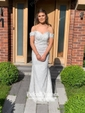 Trumpet/Mermaid Off-the-shoulder Sweep Train Tulle Appliques Lace Prom Dresses